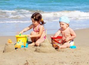 игры с песком на пляже
